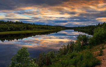 Ivalo Rivier in noord Finland van Adelheid Smitt
