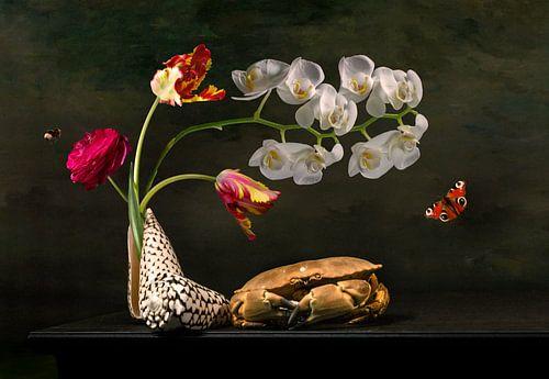 Bloemstilleven met tulpen en het zeeleven van Sander Van Laar