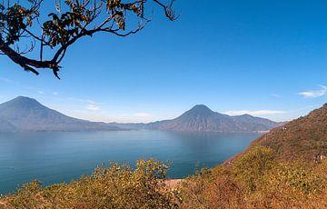 Guatemala: Meer van Atitlán (Panajachel) van Maarten Verhees