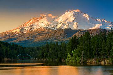 Uitzicht op Mount Shasta, Californië van Henk Meijer Photography