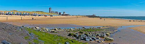 Panorama strand en strandhuisjes Vlissingen van