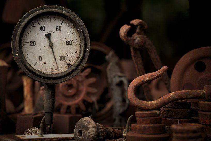 Industrieel ijzer, roest en gereedschap. van Paul Wendels