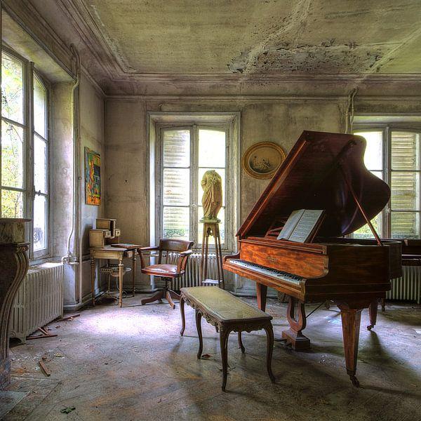 Music was my first love van Truus Nijland