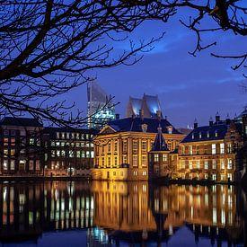 Buitenhof in de nacht van Eric van Nieuwland