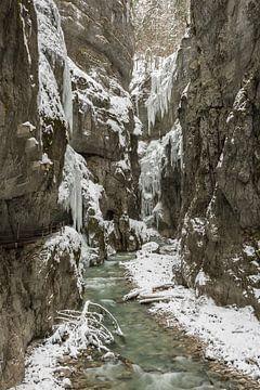 Partnachklamm im Winter von Michael Valjak