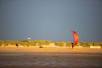 Oplaten van de kite. van Ton Tolboom