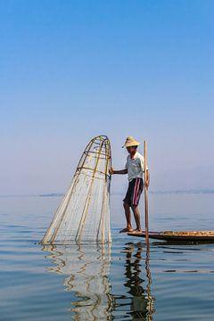 Birmaanse Visser op het Inle meer II van