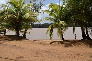 Privé strand Suriname von Chantal de Rooij