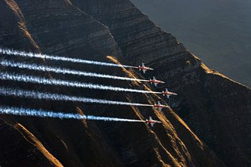 Patrouille Suisse au meeting aérien d'Axalp Fliegerschiessen en Suisse sur Martin Boschhuizen