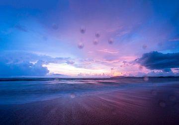 Zonsondergang op het strand van Ao Nang van Easycopters