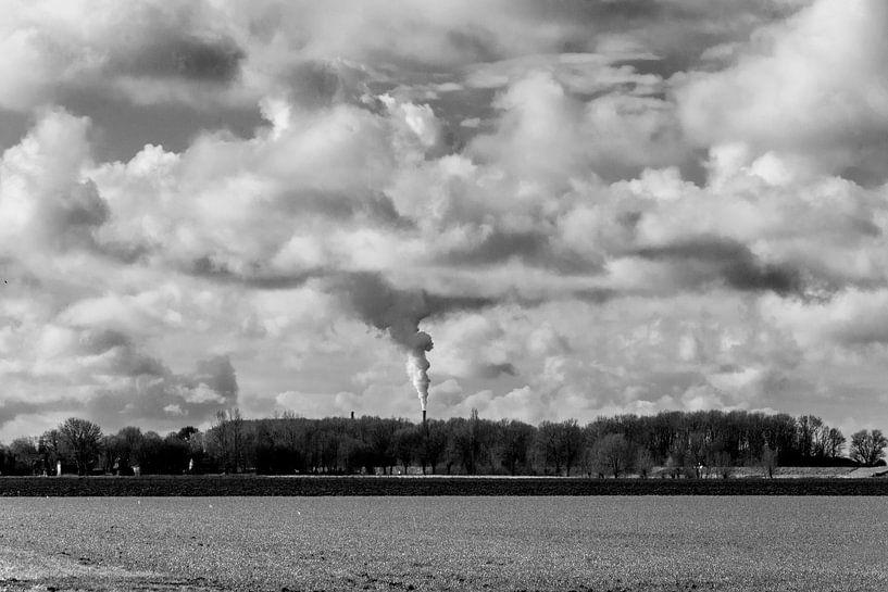 Werkendam onder de wolken van Henk Hartzheim