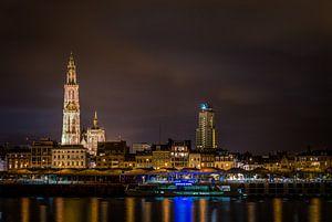 Nachtzicht op Antwerpen van