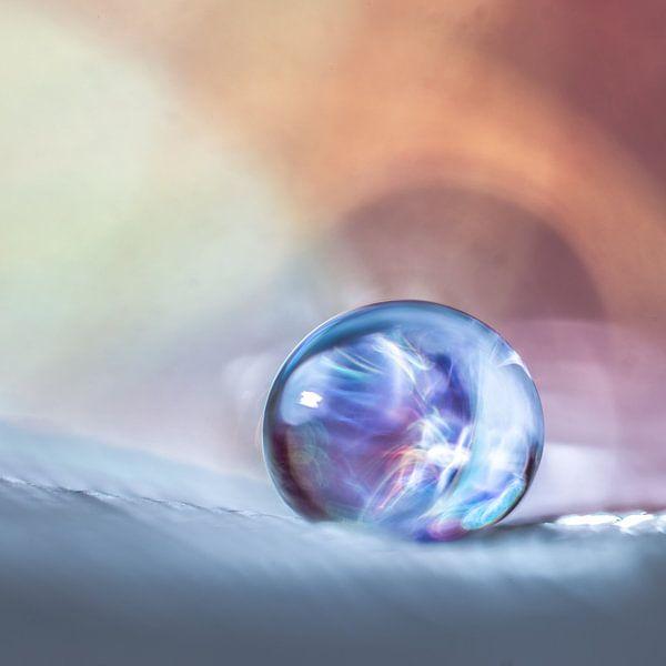 2 mm druppel met lichteffect van Bert Nijholt