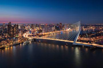 Rotterdam Skyline - Erasmusbrug von Vincent Fennis