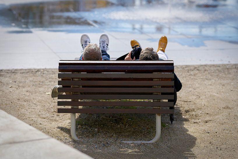 Entspannung auf einer Bank von Heiko Kueverling