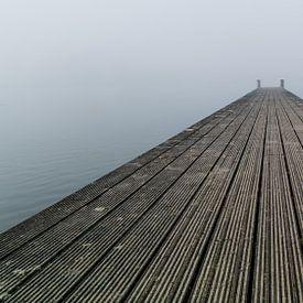 Steiger in de mist 4 van Timo Bergenhenegouwen