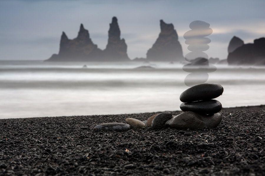 Black Beach Iceland van Andreas Müller