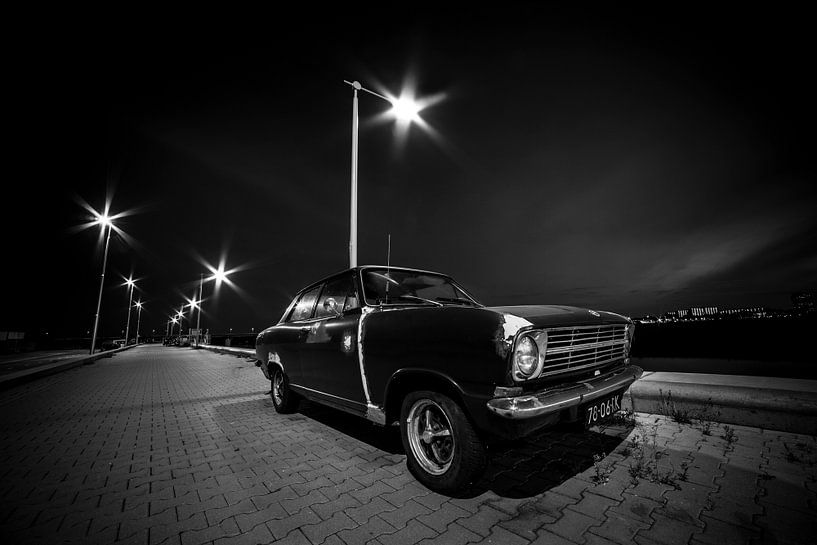 Old timer at night van Joop Snijder