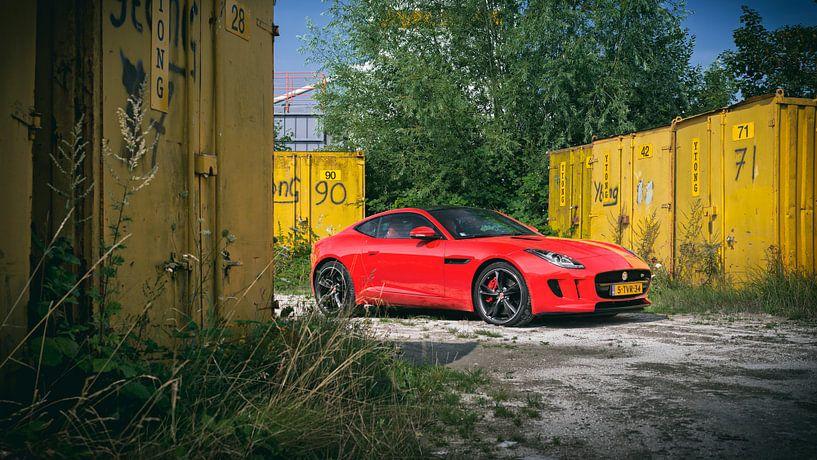 Red Jaguar F-Type Coupe van Ansho Bijlmakers