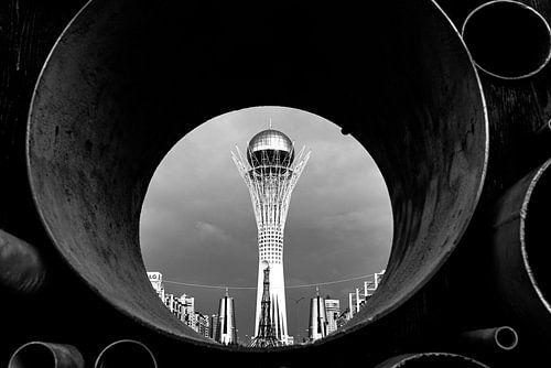 De grote boom van Nur-Sultan