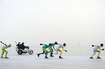 NK schaatsen 2009 op de mistige Oostvaardersplassen van Merijn van der Vliet