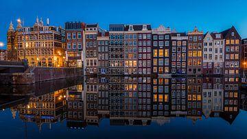 Damrak reflections II van Gerard Koster Joenje (Vlieland, Amsterdam & Lelystad in beeld)