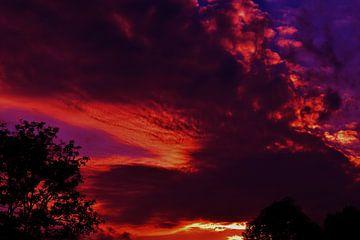 Mystical dragon sky van Breezy Photography and Design