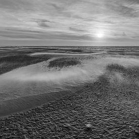 Zand, zon en zee van Karla Leeftink