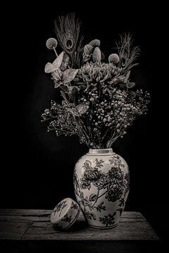 Modern Stilleven bloemen in een vaas zwart-wit