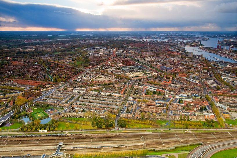 Luchtfoto Hillesluis, Bloemhof en Vreewijk te Rotterdam van Anton de Zeeuw