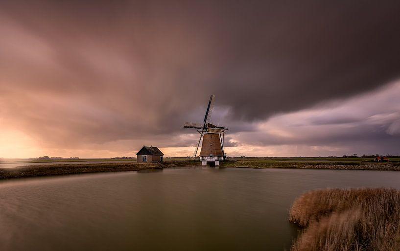 A stormy autumn day in the Netherlands von Costas Ganasos