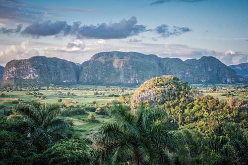 Vinales Valley Cuba Vinales version sombre sur Manon Ruitenberg