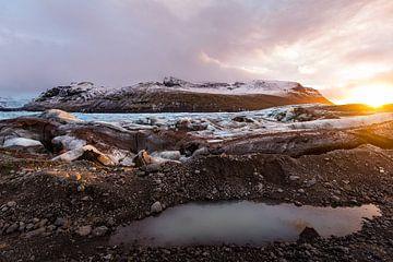 Sunrise over Svínafellsjökull van