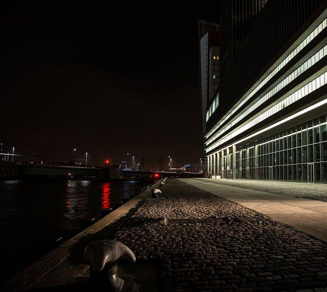 Rotterdam by night, iets anders van Arjan van Roon