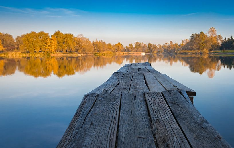 Steiger bij het meer, Bosnië-Herzegovina van Rietje Bulthuis