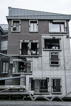 Utrecht - stadshuis blauw en grijstinten van Wout van den Berg