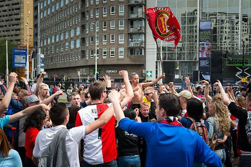 Feyenoord kampioen: jongen met vlag