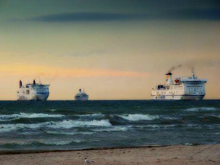 Fähren auf dem Weg nach Warnemünde , Deutschland