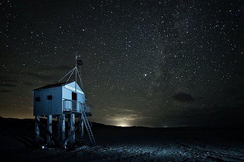 Drenkelingenhuisje Terschelling in de nacht
