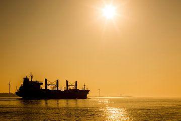 Tanker - Silhouet in de zonsondergang