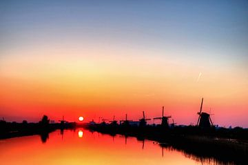 Zonsondergang, Molens Kinderdijk V  van Watze D. de Haan