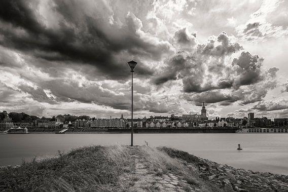 Wolken boven Nijmegen van Maerten Prins