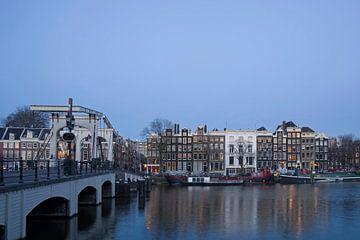 Le pont  sur l'Amstel sur Barbara Brolsma
