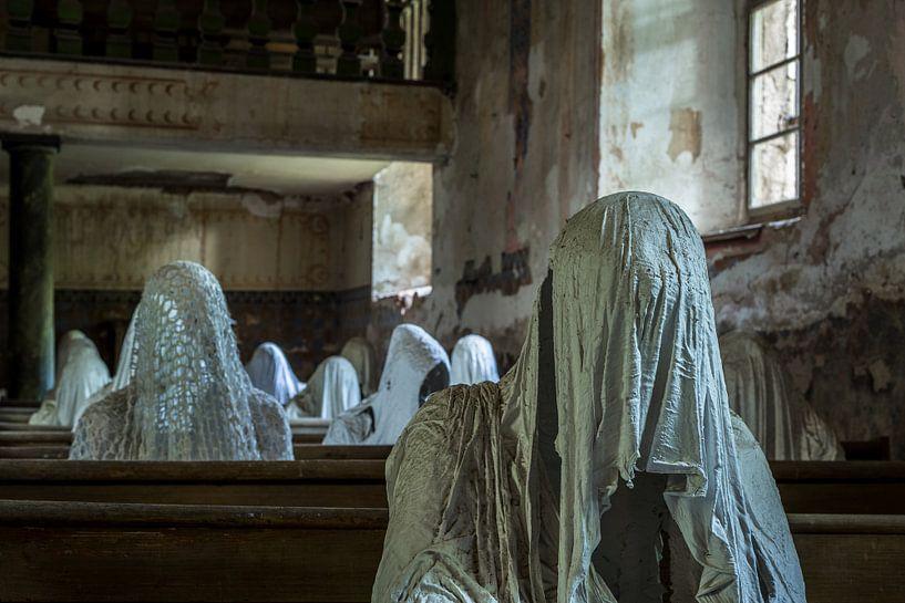 The ghost church van Oscar Beins