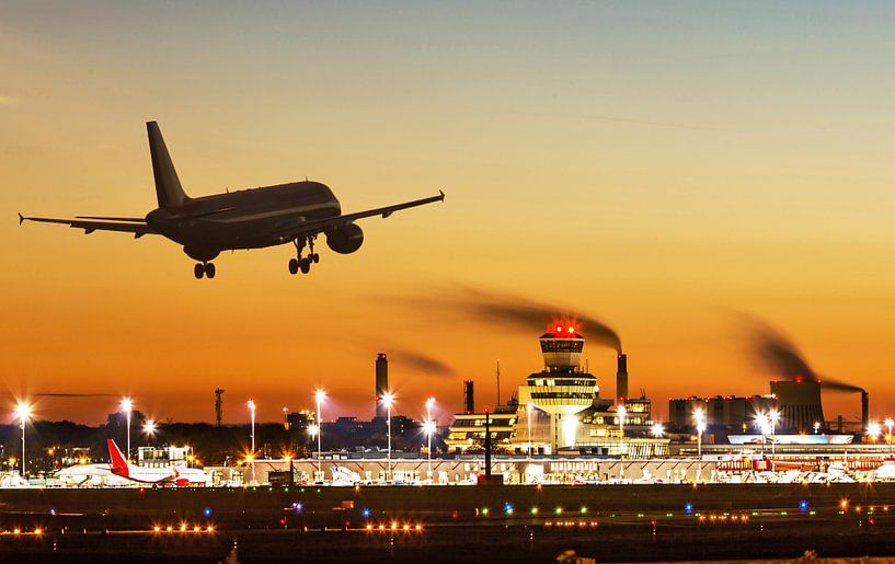Un avion atterrit à Berlin -Tegel sur Frank Herrmann