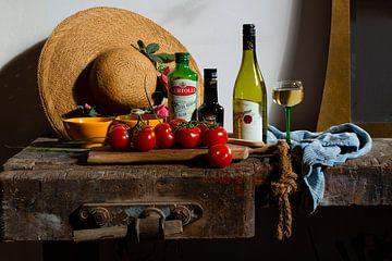 Stilleven Oude Werkbank - ateliertafel lunch met tomaten en wijn van ellenilli .