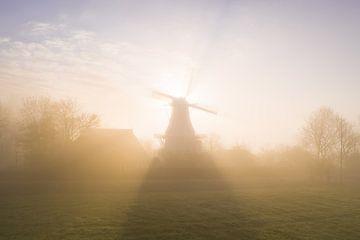 Korenmolen Joeswert in de Mist van Droninger