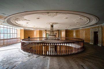 Plafond en Décomposition. sur Roman Robroek