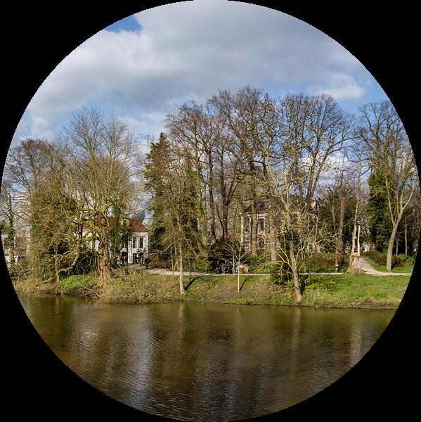 Centrum van Zwolle in een mooi voorjaarszonnetje. van Jaap van den Berg