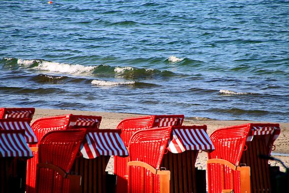 rote Strandkörbe van Rosi Lorz